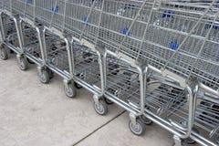 4辆购物车购物 免版税库存图片
