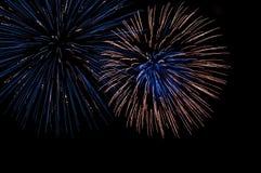 4$α πυροτεχνήματα Ιούλιο&sigma Στοκ φωτογραφίες με δικαίωμα ελεύθερης χρήσης