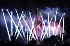 4$α πυροτεχνήματα Ιούλιο&sigma Στοκ φωτογραφία με δικαίωμα ελεύθερης χρήσης