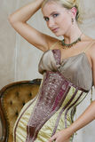 4 античных детеныша женщины платья Стоковое фото RF