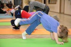 4 включенная гимнастика девушки Стоковые Изображения RF