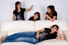 4 группы потехи имея внутри помещения близнецов Стоковое фото RF