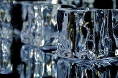 4 кубика морозят макрос Стоковая Фотография
