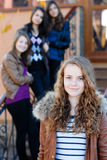 4 счастливых предназначенных для подростков подруги Стоковая Фотография