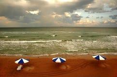4朵海滩云彩 库存照片