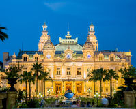 МОНТЕ-КАРЛО - 4-ОЕ ИЮЛЯ: Казино Монте-Карло в Монако Стоковое Изображение