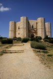 4 castel del monte n sikt Arkivbilder