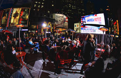 4 de noviembre de 2008 - el Times Square en NYC Foto de archivo libre de regalías