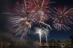 4. der Juli-Feuerwerk-Bildschirmanzeige in Portland Oregon Stockfotos