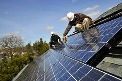 4 installers panel słoneczny zdjęcie royalty free