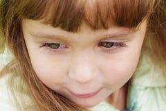 4 långa gammala år för gullig eyelushesflicka Royaltyfri Fotografi