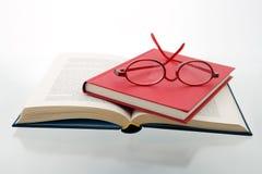 4 livres bleus rouges Images libres de droits