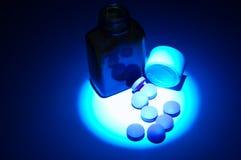 4 medicinska pills fotografering för bildbyråer