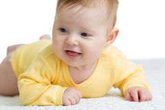 4 meses felices y sanos de mentira del bebé Imagen de archivo libre de regalías