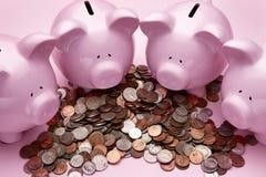 4 rosafarbene piggy Querneigungen Lizenzfreie Stockfotografie