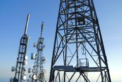 4 telekommunikationtorn Arkivfoton
