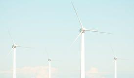 4 Windturbinen lizenzfreie stockbilder