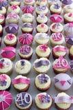 40ste verjaardag cupcakes Stock Afbeeldingen