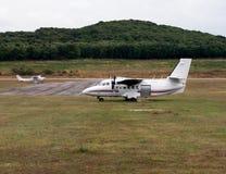 410升飞机 库存照片