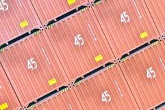 45 pieds de conteneurs de marchandises de haut Image stock