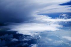 47朵云彩飞行视图 图库摄影