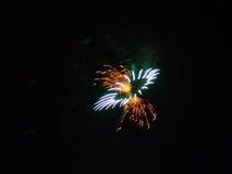 4to de la celebración de los fuegos artificiales de julio en los E.E.U.U. Fotos de archivo libres de regalías
