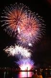 4to de los fuegos artificiales de julio Foto de archivo libre de regalías