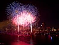 4to de los fuegos artificiales de julio en Boston Imágenes de archivo libres de regalías