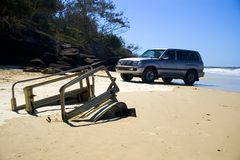4wd被埋没的fraser海岛新的卡车 库存照片