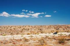 4WD dans le désert Photo stock