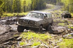 4x4陷于泥沼的泥 免版税库存照片