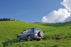 4X4 auto openlucht Royalty-vrije Stock Afbeeldingen
