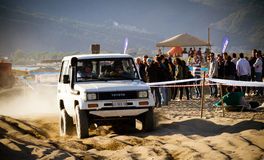 4x4 rennend op het strand Royalty-vrije Stock Afbeelding