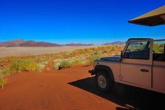 4x4 sleep (Namib woestijn, Namibië) Royalty-vrije Stock Afbeeldingen