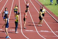 4x400 das mulheres mede a raça Imagens de Stock Royalty Free