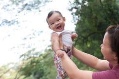 5个大婴孩中国女孩的月 库存图片