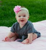 5个大婴孩美好的女孩的月 免版税库存照片