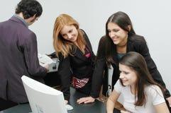 5个女孩办公室 库存照片