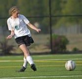 5个女孩足球大学运动代表队 免版税库存照片