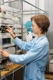 5个实验室科学家 免版税库存照片