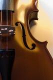 5台小提琴的接近的仪器音乐会 图库摄影