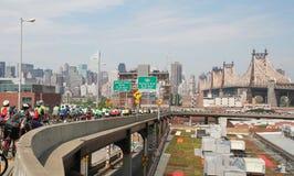 5第59自行车boro桥梁nyc街道浏览 免版税库存照片