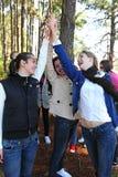5 друзей давая группу высокую Стоковые Изображения RF
