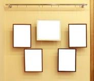 5 кадров с холстиной на уступчике выставки Стоковая Фотография
