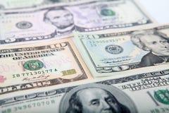 5, 10, 20, 100 dollarsbankbiljetten Stock Foto's