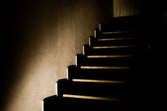 5 темных лестниц стоковые фото
