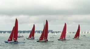 5 2010年cowes充气救生艇赛跑的星期 库存照片
