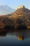 5 6座城堡湖反射了 图库摄影