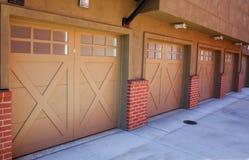 5 garage del Brown Immagini Stock Libere da Diritti