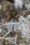 5 kamieni sopli strumień wody zimy śniegu Zdjęcia Stock